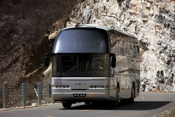 青年JNP6127LBEV1客车(纯电动24-57座)