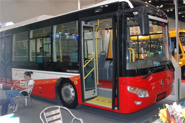 常隆YS6120SHEV公交车