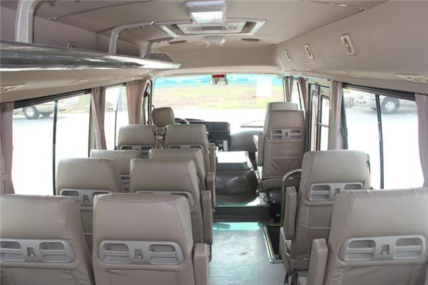 晶马JMV6706CF客车