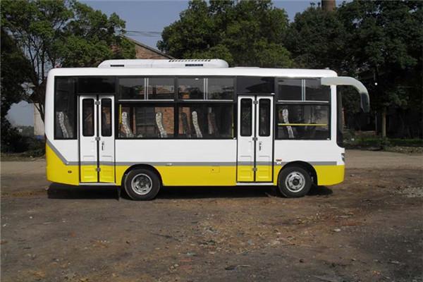 齐鲁BWC6665GA5公交车