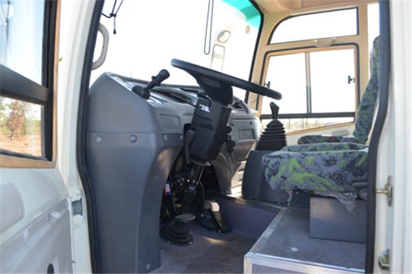 齐鲁BWC5061XXYKH厢式运输车