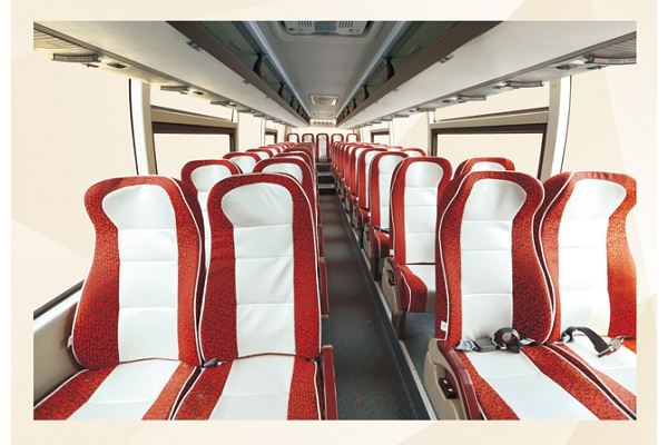 桂林大宇GL6122HCE1客车(柴油国五24-57座)