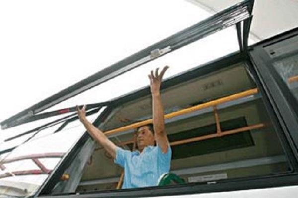 上海万象SXC6120GHEV2公交车(柴油/电混合动力国五10-50座)