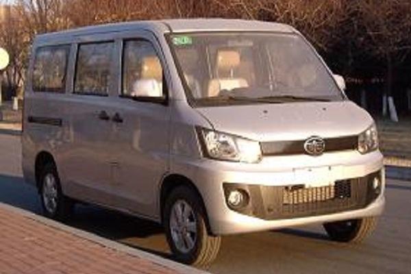 一汽CA6420A45CNG多用途乘用车(汽油/天然气国四6座)