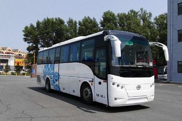 一汽CA6107LRD85客车(柴油国五35-45座)