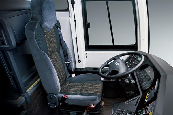 金龙龙威2代车型驾驶室图