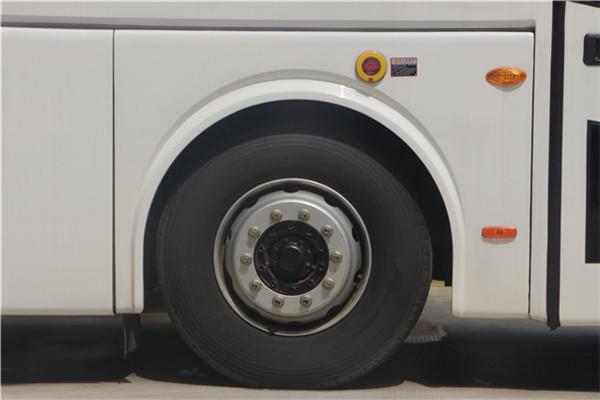 南京金龙NJL6117BEV12客车(纯电动24-53座)