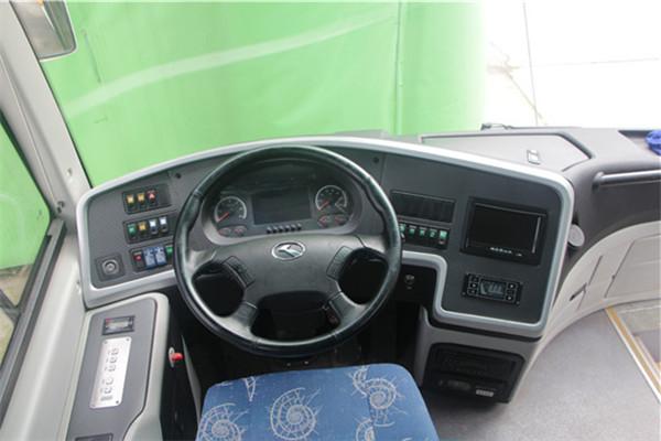 南京金龙NJL6820BEV3客车(纯电动24-35座)