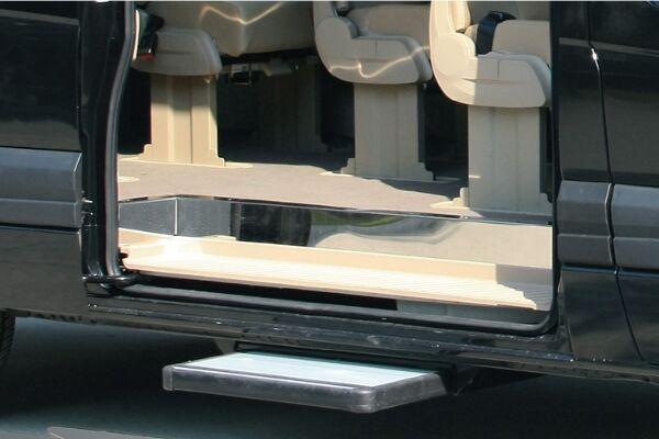 金龙XMQ6593KED5C1轻型客车(柴油国五10-14座)