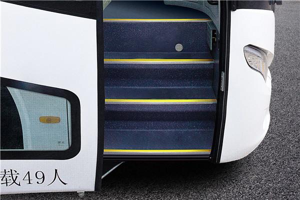 南京金龙NJL6117EV2客车(纯电动24-48座)