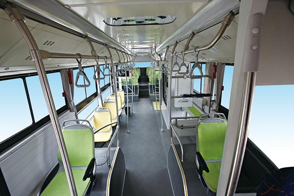SLK6123熊猫车-内饰座椅前