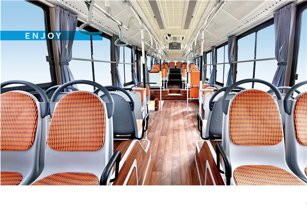 金旅XML6105JEVW0C公交车