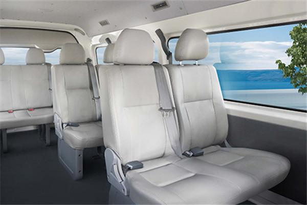 金龙XMQ6535DED61轻型客车(柴油国六6-9座)