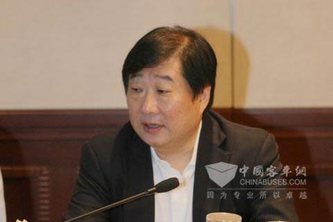 潍柴动力董事长谭旭光主持会议并讲话