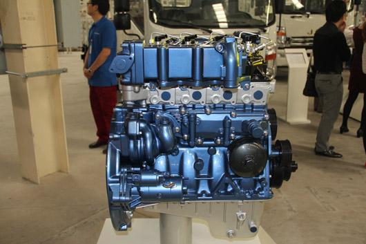发动机的缸体结构非常紧凑