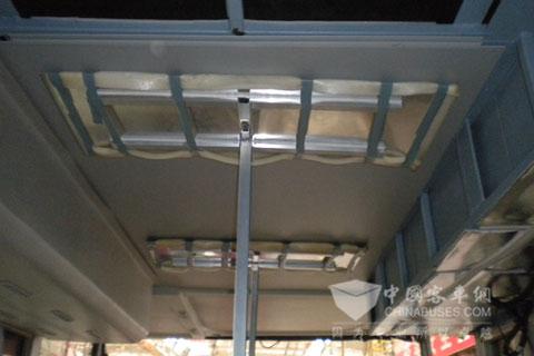 客车PVC顶板安装