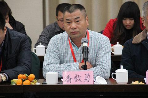 浙江湖州康达公交副总经理潘毅勇